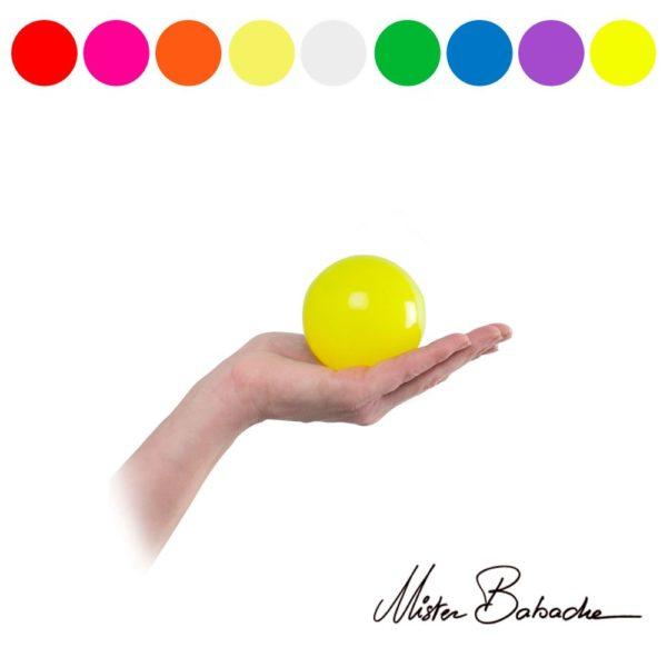 stage juggling balls
